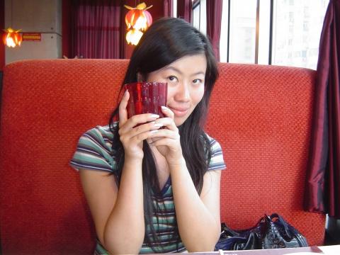 三只红杯子 - 中国芭比娃娃~林中精灵 - 中国芭比娃娃~林中精灵的博客