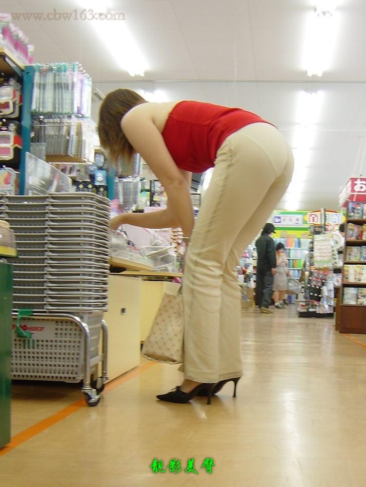 【转载】丰满熟妇的大屁股,白裤深陷沟内啊!(5P) - 霹雳贝贝 - qqbk0077的博客