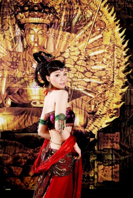 那一抹靓丽醉人的中国红 - 雪梅 - 梅雪争春