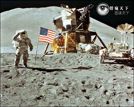 1969年7月20日,内尔·阿姆斯特朗蹬上月球