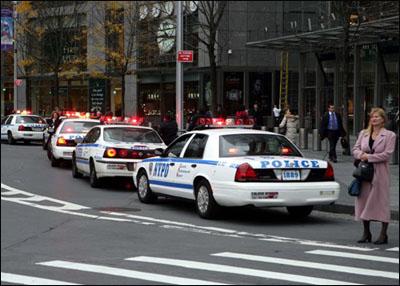 组图:NYPD纽约警察局的汽车 - 潘石屹 - 潘石屹的博客