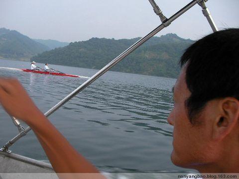河口遇到闽籍皮划艇训练 - 一条小溪 - 一条小溪的博客