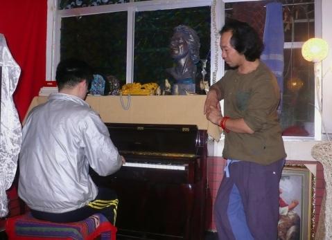 钢琴家朋友——高平 - 阿卡然说三 - 阿卡然说三