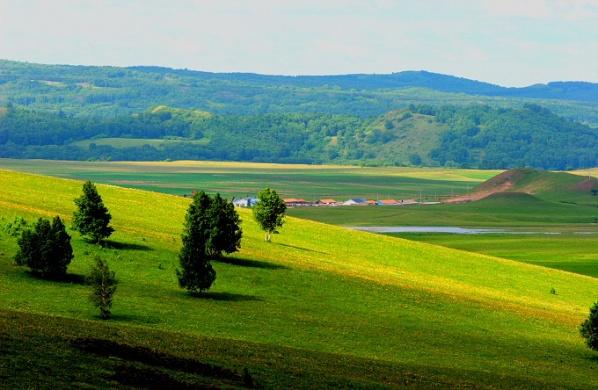 [美图欣赏]草原风光 - 山间溪流 -   山间溪流的休闲屋