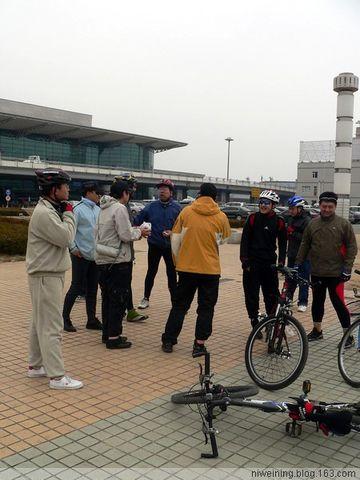 [原创]骑行桃仙机场,吃苏家屯老友谊冷面(2008.3.22) - 风动 - 风动的博客
