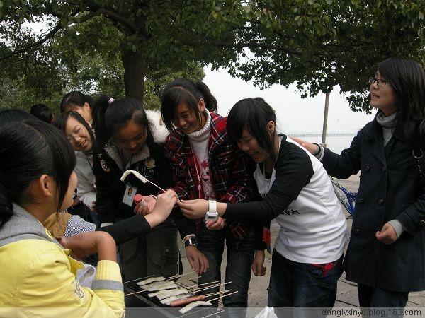 08涉外班烧烤活动 - 东旅心语 - donglvxinyudon的博客
