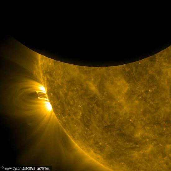 组图:美国宇航局探测器在太空中拍摄日食
