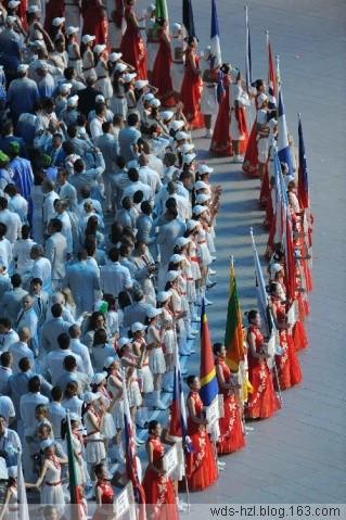 """北京08奥运会盛大的开幕式把""""绿色奥运、科技奥运、人文"""