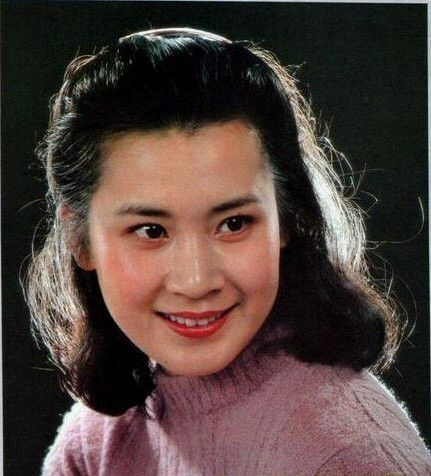 """八十年代电影明星的旧貌和新颜—(029)""""忧郁的玫瑰""""肖雄 - 青松不老 - 枝繁叶茂!祝愿祖国繁荣昌盛!!"""