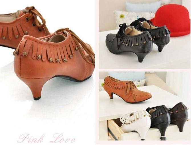 潮女2011街拍新款单鞋图片