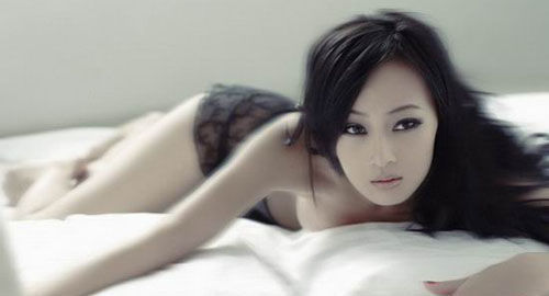 内地女星万妮恩拍半裸写真 尺度大胆引争议 - 潇彧 - 潇彧咖啡-幸福咖啡