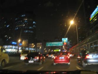 上海的出租车公司,不接受早晨的电话预约?