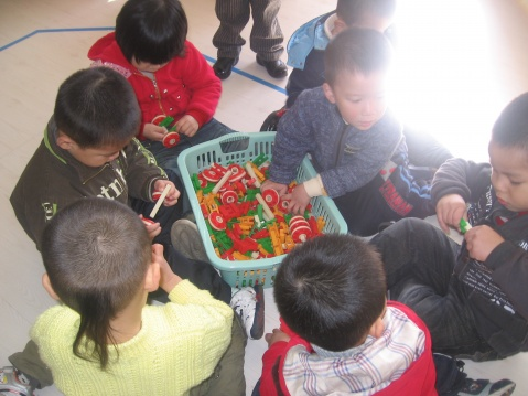 我们是小小造车手! - rqsy2008 - 融侨元洪锦江幼儿园的博客