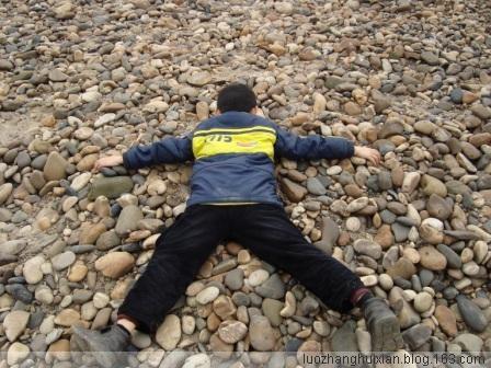寻找石头的故事[图片] - 罗张挥弦 - 野 渡
