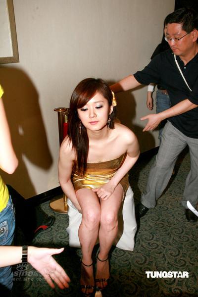 韩国女星 张娜拉金色超短裙赴港宣传 明星贴图区 香港制造论坛 Made in HONG KONG Powered by Discuz