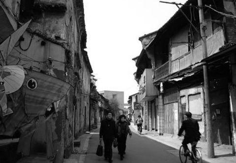 【原创】鼓楼与我的小学老师(2007年11月7日) - 吴山狗崽(huangzz) - 吴山狗崽欢迎您的来访 Wushan