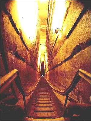 胡夫金字塔的秘密 - hbsqlxzwy - 光年---青龙