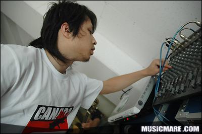 2007年7月4日 - 耳光乐队排练照片大公开 !!!!! - 老范 - 老范的博客