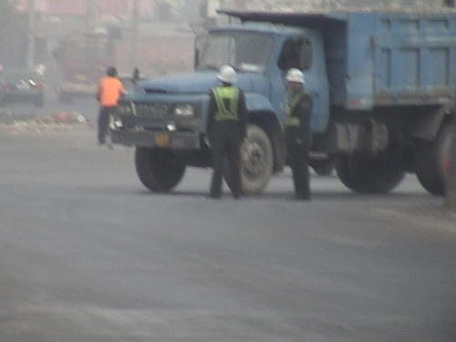 国道双向拦截查车抢钥匙威胁民警  这伙人谁来管      - xt5999995 - 赵文河的博客