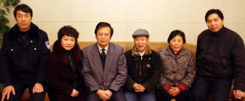 探望曾繁桃一家的动人时刻 - 朱寿全律师 - 朱寿全律师