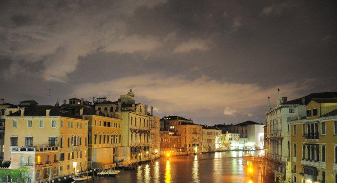 威尼斯的晚霞 - 陶东风 - 陶东风