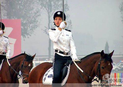 中国美女骑警(组图) - 理睬 - 理 睬