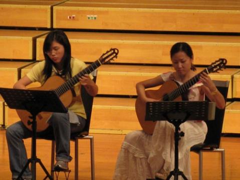 阳光吉他参加08国际吉他艺术节 - YGJTWF - 海的颜色