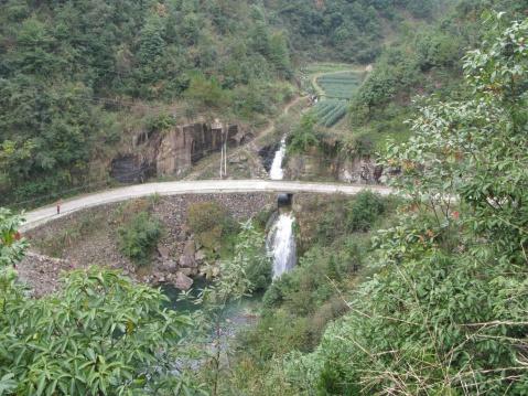 外婆坑瀑布(新昌的瀑布之十四) - 江村一老头 - 江村一老头的茅草屋
