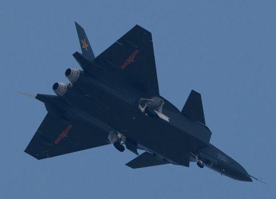 网络上流传的中国空军歼20隐形战机飞行照