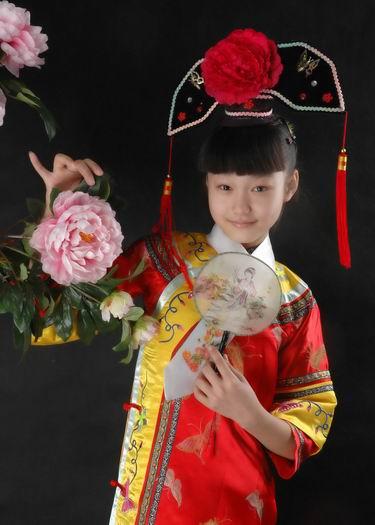 小 名人 杜 奕 儒 同学 漂亮 吧 杜 奕 儒 不 仅 人 长