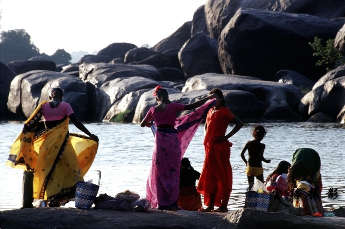 晒纱丽的南印度女人们 - Y哥。尘缘 - 心的漂泊-Y哥37国行