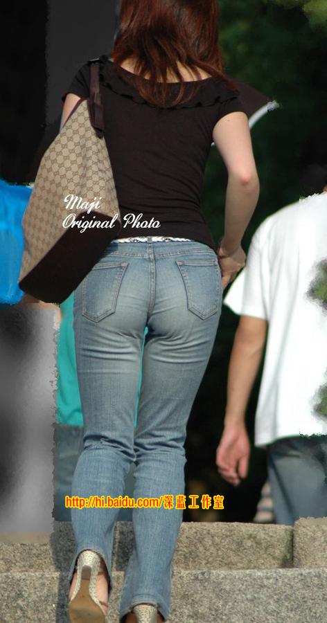 上台阶的牛仔裤美女 - 源源 - djun.007 的博客