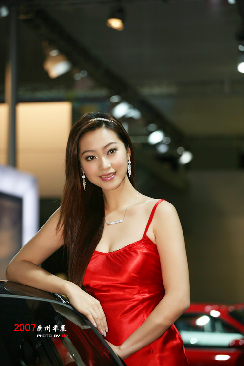 三大豪门争夺的第一美女车模:李延晶 - 雪野风荷 - xueyefenghe@126 的博客