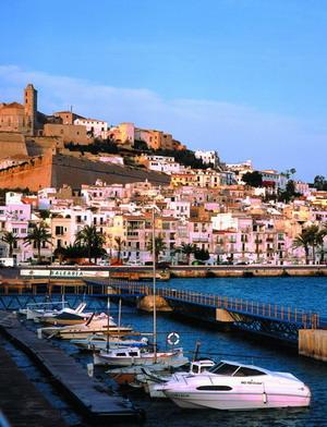 西班牙Ibiza 岛全球潮人垂青之地 - 外滩画报 - 外滩画报 的博客