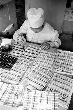 1955年粮票全国启用:没票寸步难行