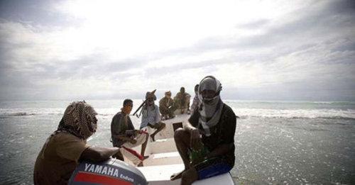 索马里海盗,把陆地上的恶卷进大海。。。 - 张羽魔法书 - 张羽魔法书