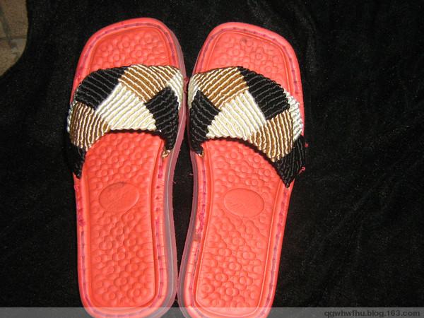 手工编织拖鞋珍贵合影图片下载