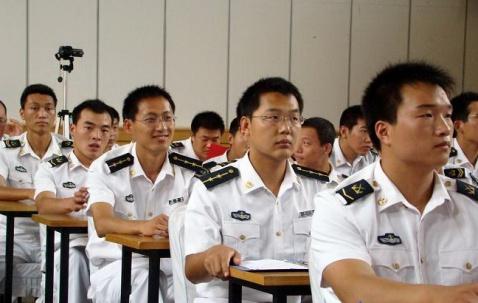 军人图片----认真听课的军校学员 - 披着军装的野狼 - 披着军装的野狼