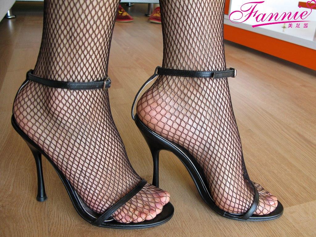 【极致高跟魅惑】网不住的风情...一 - 喜欢光脚丫的夏天 - 喜欢光脚丫的夏天
