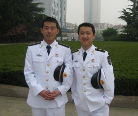 海军学员 - 披着军装的野狼 - 披着军装的野狼