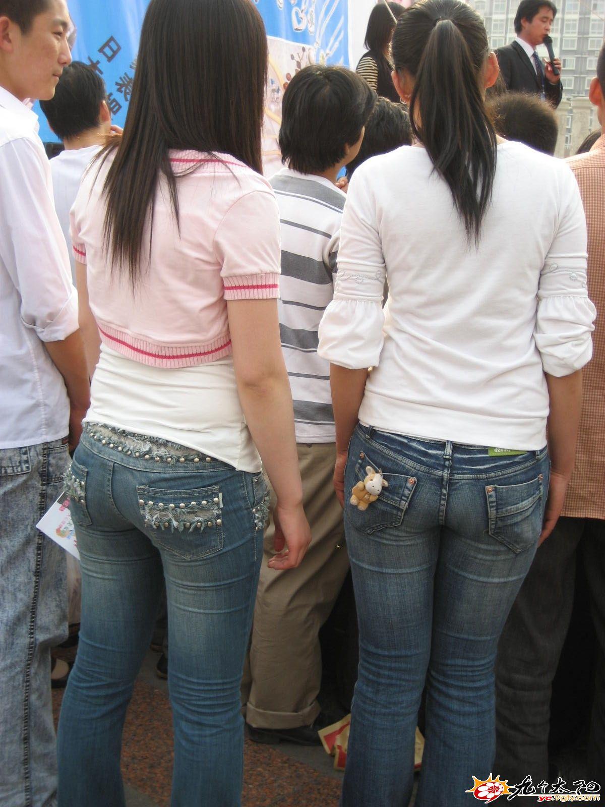 让你即刻想射的牛仔裤美少女