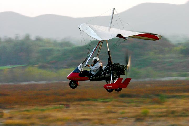 (原创摄影)伞翼飞机 - 刘炜大老虎 - liuwei77997的博客