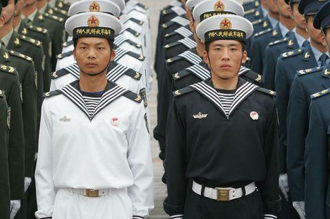 空军男士兵春秋常服   着07式礼服 着07式夏常服的海军女军官   着07图片