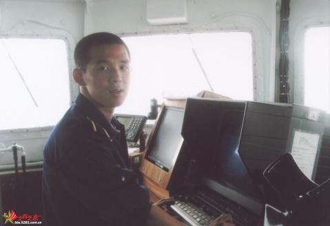 海军学员在外国军舰上拍的个人写真 - 披着军装的野狼 - 披着军装的野狼