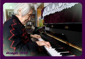妈妈的钢琴声