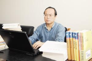 一个视信仰为生命的人——记宣传干部王惠周
