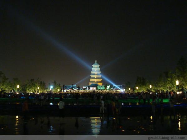 大雁塔北广场喷泉10月6日起执行冬季表演时间