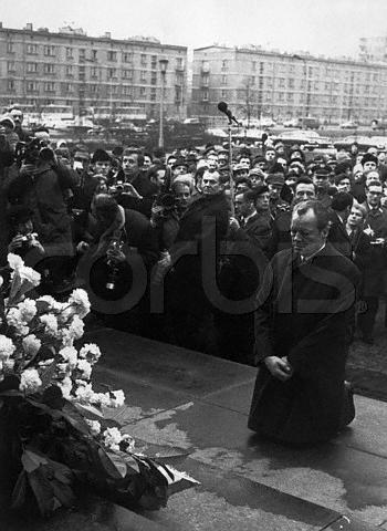 勃兰特总理向死难犹太人下跪谢罪令人难忘 - 石學峰 - 薛锋的博客