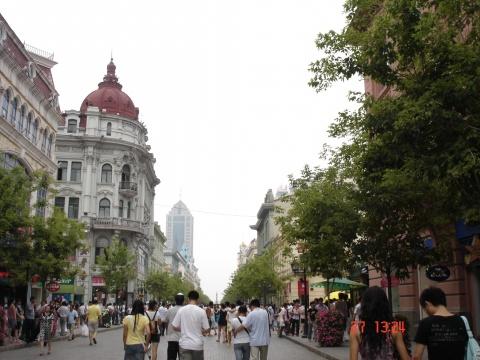 欧式繁华街道背景图