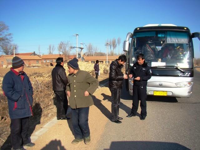 敖汉旗交警大队通过GPS监控查获一辆超员客车 - 云峰 - 云峰的博客